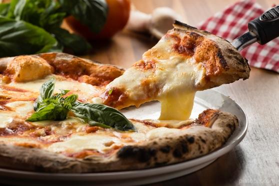 Pizza A Tavola